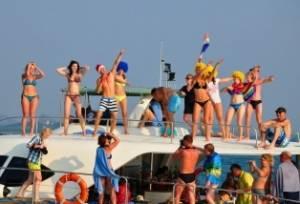 ResizedImage314214 Perth Bucks Party Boat
