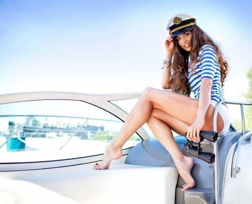 Airlie Beach Bucks Party 2 Hour Day Boat Package