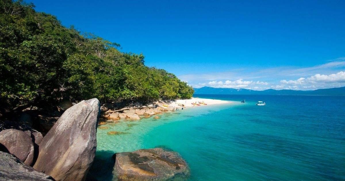 CairnsHensFitzroyIslandAdventure