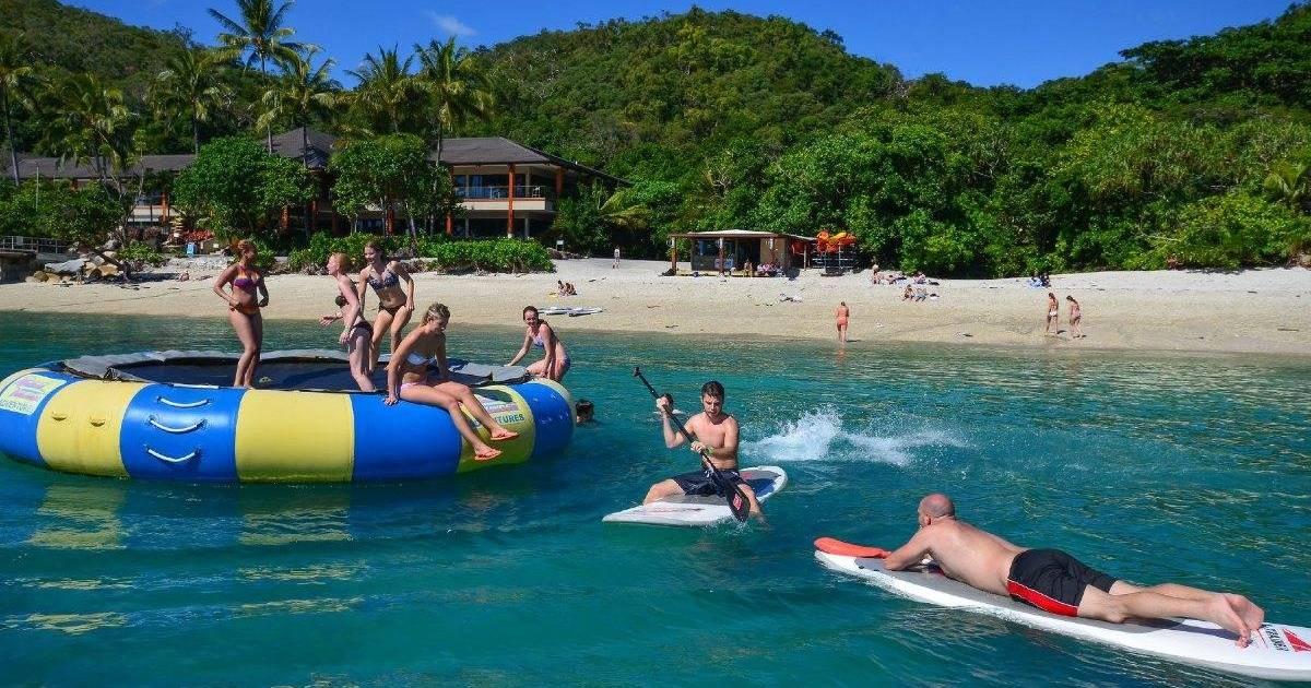 CairnsHensFitzroyIslandHalfDayAdventure