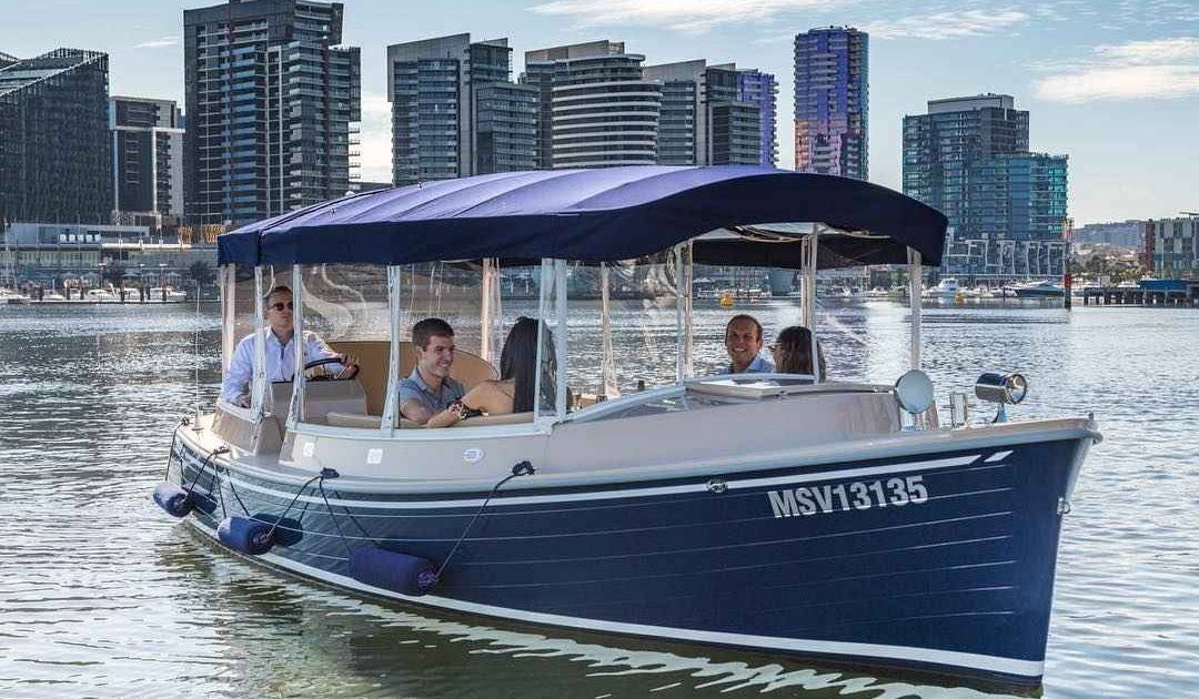 MelbourneHensPartyPrivateBoat