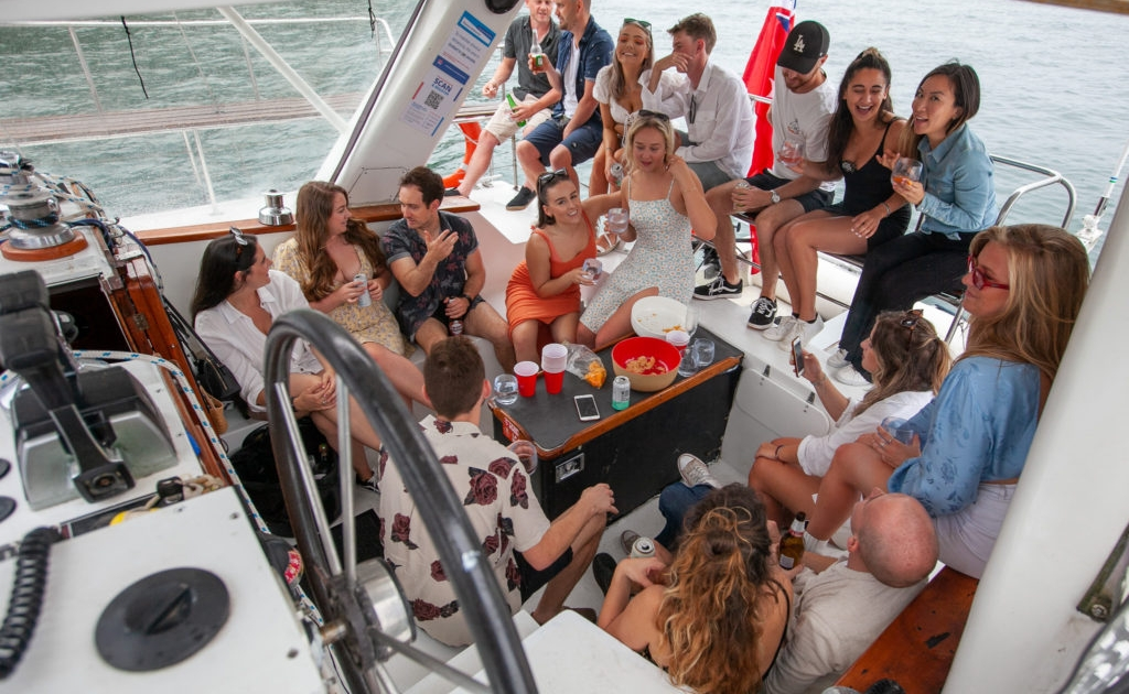 SydneyHensBoatCharterParty