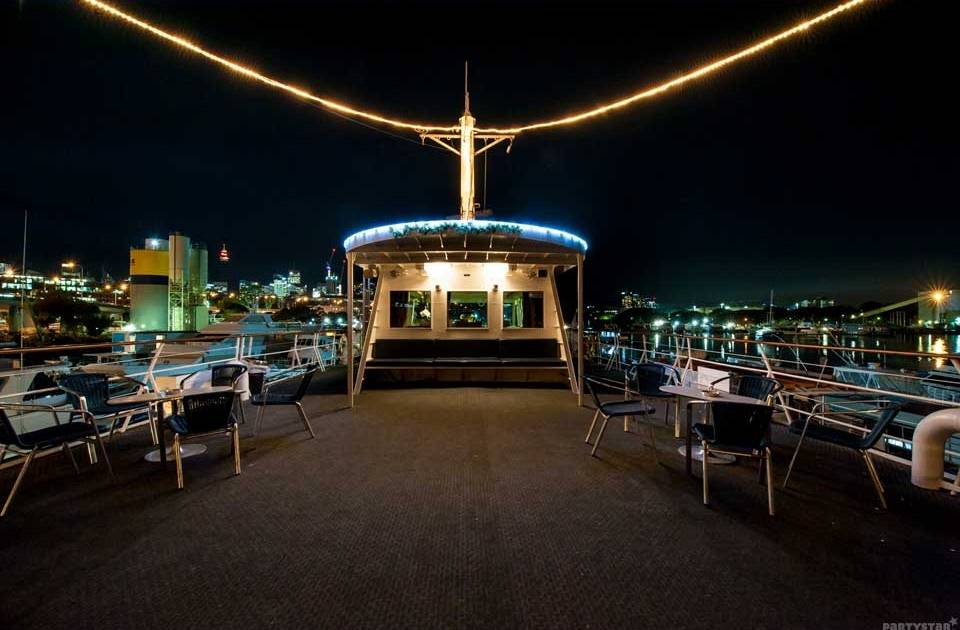 SydneyHensPartyPrivateBoatCruise