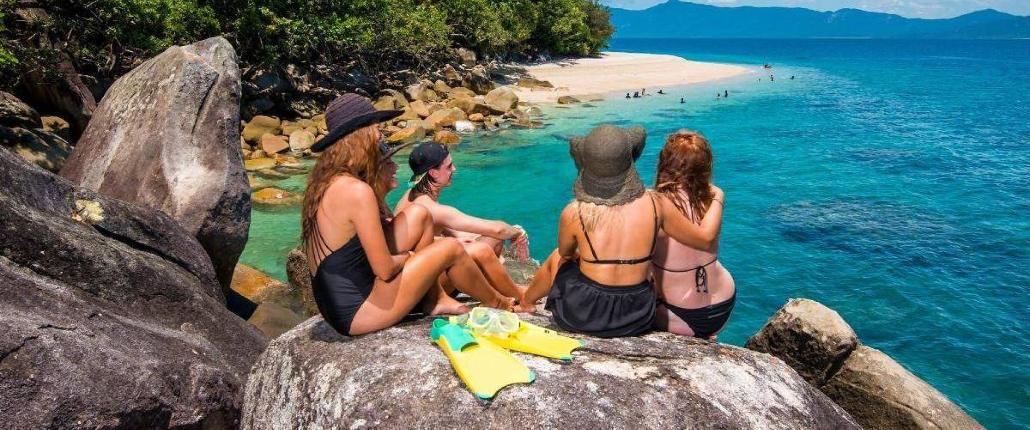 CairnsHensPartyFitzroyIslandHalfDayAdventurePortfolioSize